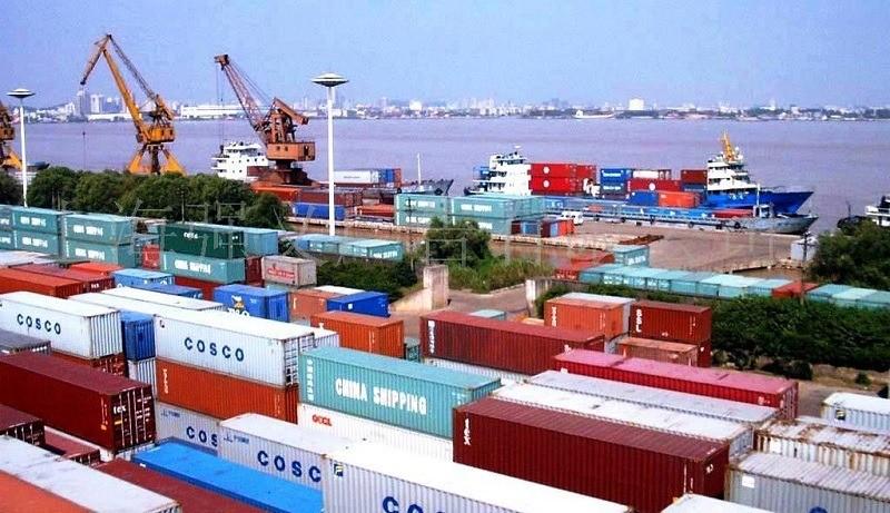 Chính sách thuế đối với các khoản phụ thu theo cước vận chuyển quốc tế