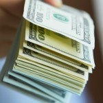 Thưởng tết và lương tháng 13 có bị tính thuế TNCN?