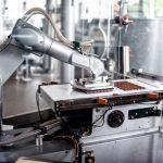 [Kinh doanh] Moody's: Việt Nam nằm trong nhóm chịu nhiều rủi ro nhất từ robot