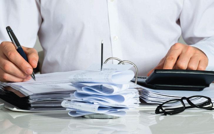 Ai không được làm kế toán trong doanh nghiệp?